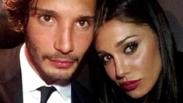 Belen e Stefano De Martino potrebbero essere in crisi: lei su IG non indossa la fede