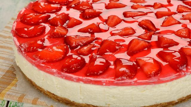 5 cheesecake senza cottura: ricotta e fragole per i più golosi