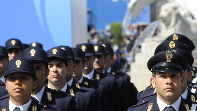 Offerte Lavoro giugno, reclutamento polizia di stato e collaboratori amministrativi