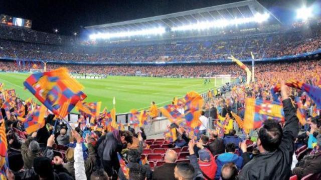 Tifosi del Barça infuriati ironizzano su scambio Pjanic-Arthur: 'Adesso Khedira-De Jong'