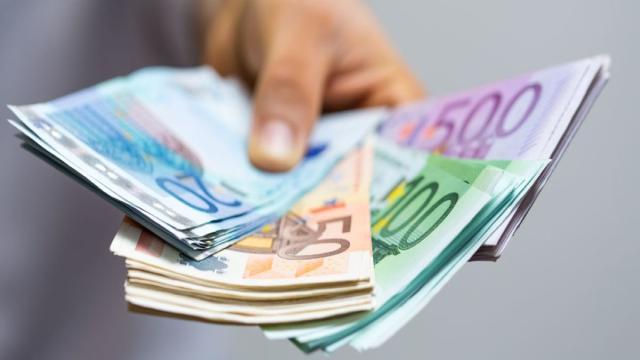 Pagamento in contanti, nuove misure: non potrà essere superata la cifra di 2000 euro