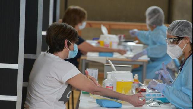 Scuola: a settembre test sierologici su tutte le persone a contatto con gli studenti
