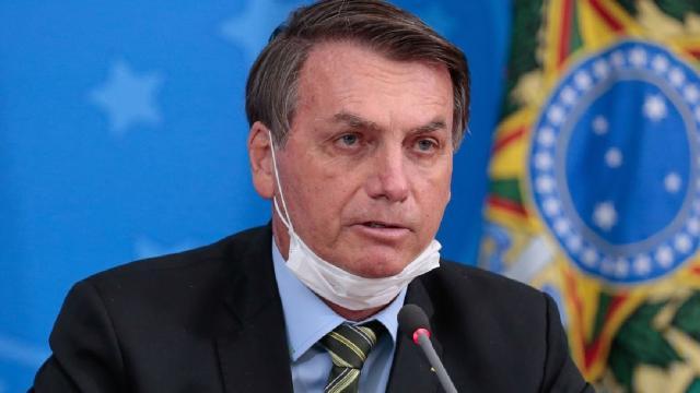 El presidente de de Brasil Jair Bolsonaro despreció la pandemia y ahora tiene coronavirus