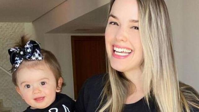 Thaeme desabafa sobre ataques virtuais sobre aparência da filha: 'pessoas amargas'