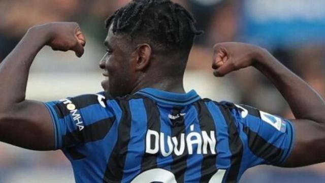 Milan-Atalanta 1-1: Donnarumma para un rigore a Malinovskyi, gol di Çalhanoğlu e Zapata