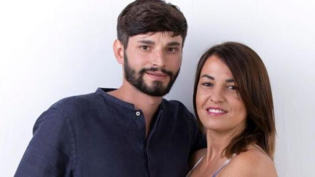 Andrea di Temptation regala un mazzo di rose alla fidanzata Anna: 'Ti amo'