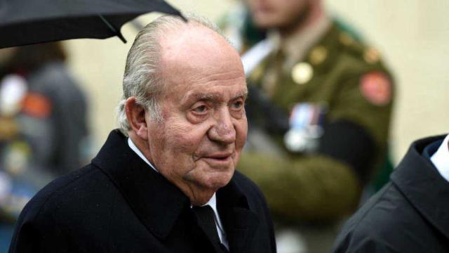 El rey emérito abandona el país para evitar deteriorar a la monarquía