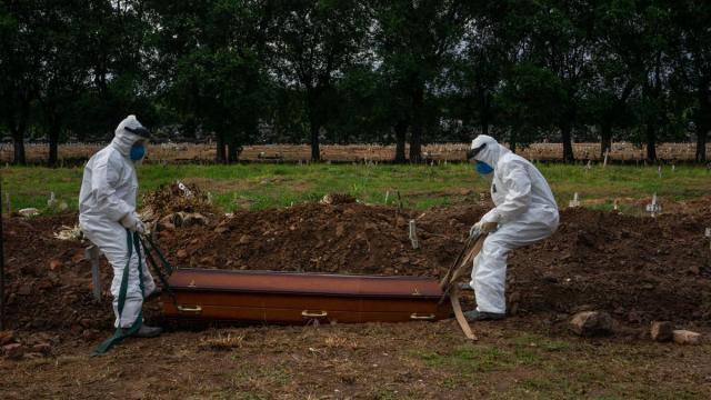 De acordo com especialista, Brasil chegará a 200 mil mortes em outubro