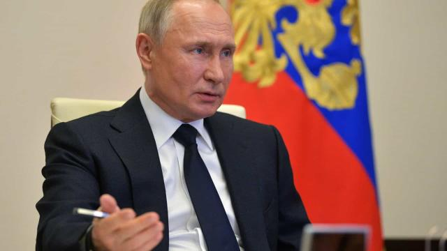 Rússia finaliza testes e anuncia primeira vacina contra a Covid-19