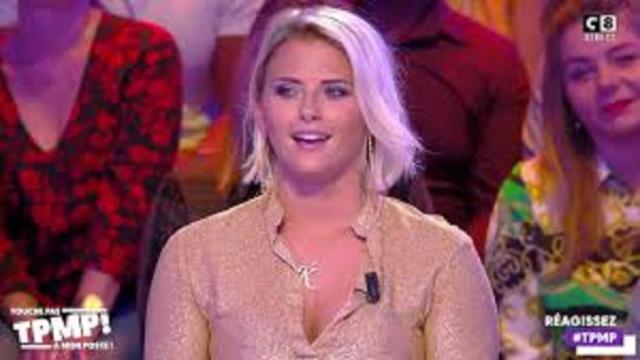 Kelly Vedovelli en t-shirt XXL fait réagir les internautes