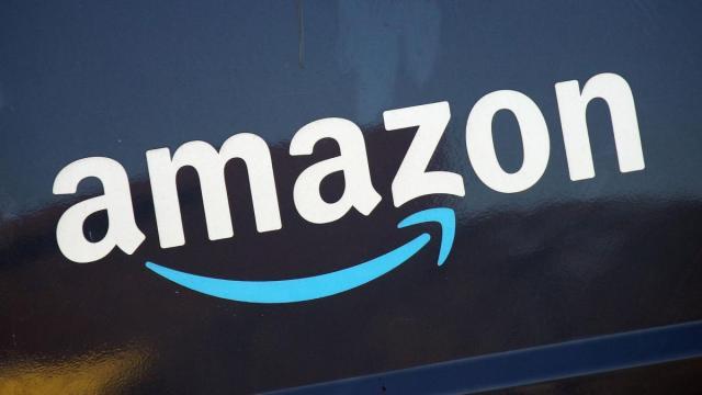 Offerte di lavoro, Amazon e Piazza Italia ricercano personale: candidature tramite web