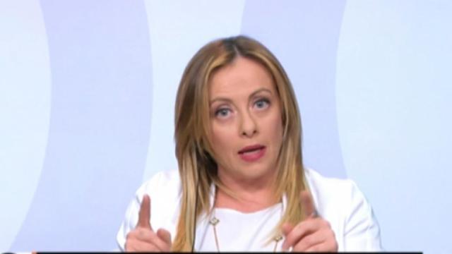 Giorgia Meloni critica il governo sul cashback: 'Ora pensano a una riffa'