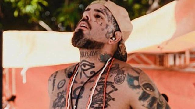 Tico Santa Cruz que Michelle Bolsonaro estaria tentando censurar sua música 'Micheque'