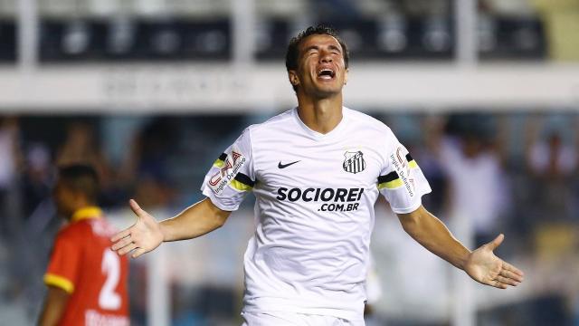 5 jogadores com passagens pelo Santos que hoje estão em mercados alternativos