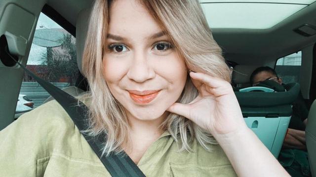 Marília Mendonça se desculpa e abre espaço em live para depoimento de modelo trans