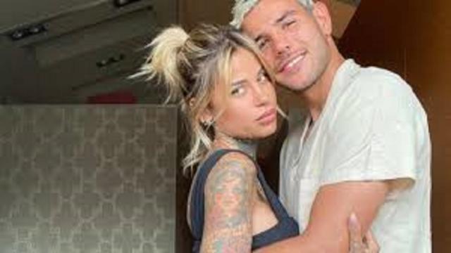 Theo Hernandez et sa copine s'amusent sur Instagram, le footballeur se met au twerk