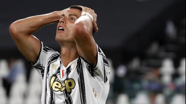 Juventus, Champions League : Ronaldo positivo al Covid - 19 dovrà seguire la gara da casa
