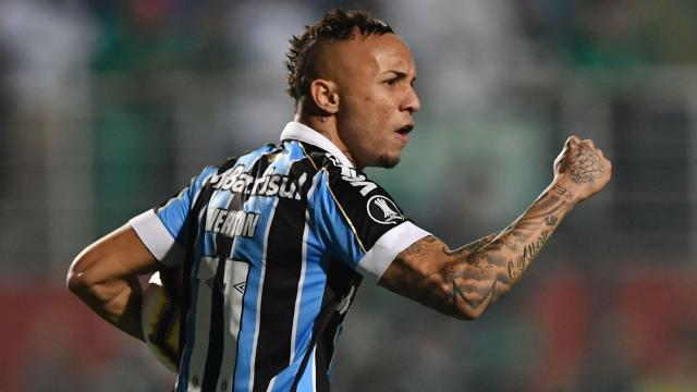 5 maiores vendas do Grêmio na gestão de Romildo Bolzan