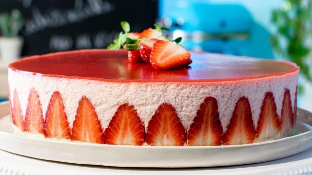 Ricette, la mousse alle fragole: Un dessert francese schiumoso e leggero