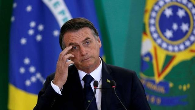 Jair Bolsonaro anuncia nas redes sociais que não vai comprar vacina da China