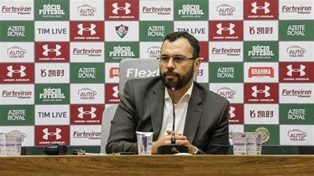 Diretoria do Fluminense negocia patrocínio com a empresa QVE Brasil