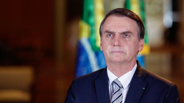 Homem reclama do preço do arroz, e Bolsonaro o manda ir 'comprar na Venezuela'
