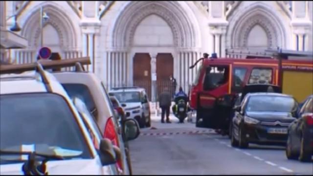Francia, attacco terroristico alla cattedrale di Nizza: uccise tre persone