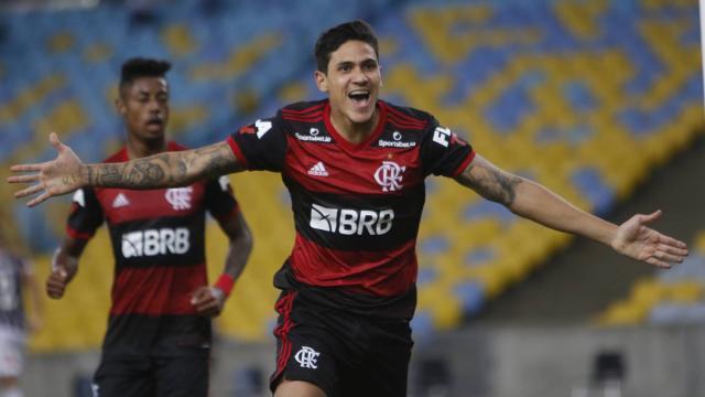 Cinco jogadores bons e baratos para escalar no cartola nesta rodada do Brasileirão