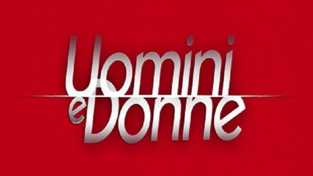 Uomini e Donne, registrazione 21 novembre: Brunilde rifiuta il bacio di Riccardo