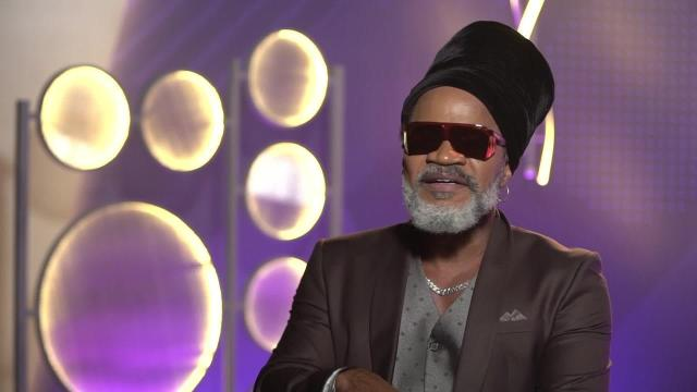 5 grandes sucessos de Carlinhos Brown