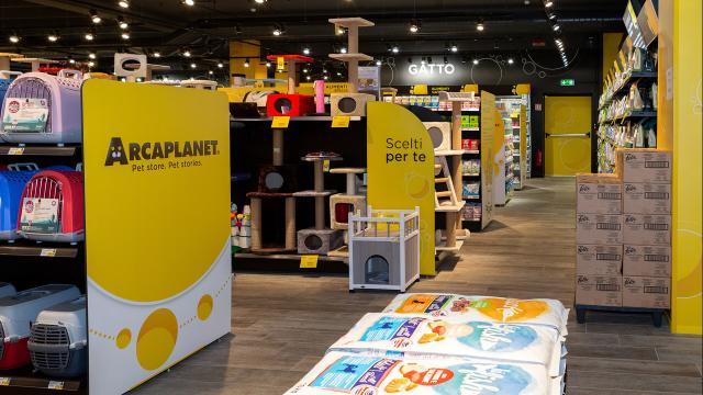 Arcaplanet: proseguono le assunzioni di commessi da collocare nei vari punti vendita