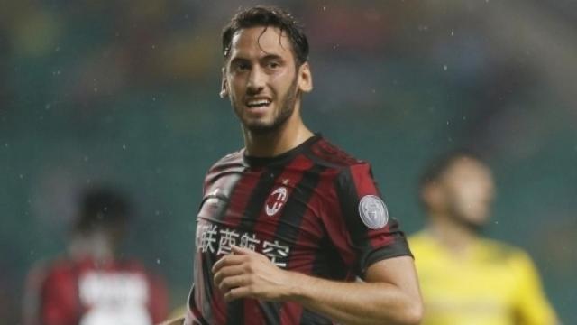 Calciomercato Juventus, indizio Calhanoglu: in visita a Torino dall'amico Demiral