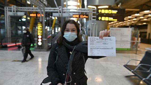 España exige test PCR negativo para viajeros que ingresen por avión o barco