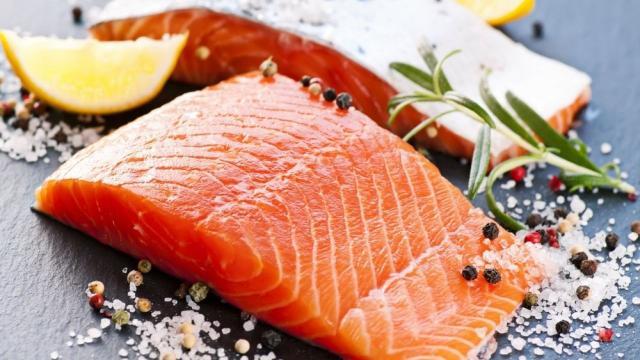 5 alimentos que ajudam a evitar a celulite