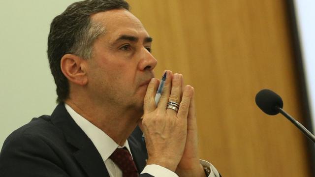Presidente do TSE, Barroso rebate acusações de Bolsonaro sobre possibilidade de fraude