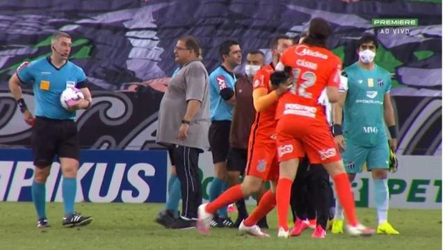 Sete jogadores do Corinthians que já receberam cartão vermelho neste Brasileirão