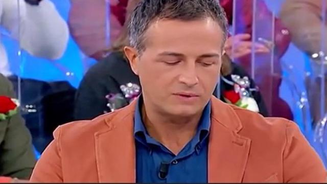 Uomini e Donne oggi: Gianluca abbandona, Gemma va oltre con Maurizio
