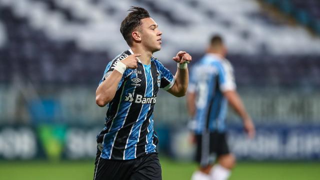 Dirigente do Grêmio fala sobre interesse do futebol europeu em Pepê