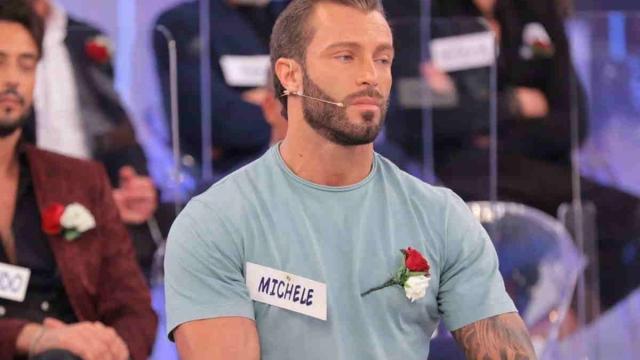U&D, Michele Dentice lascia il dating-show in lacrime: 'Non sto più bene qua'