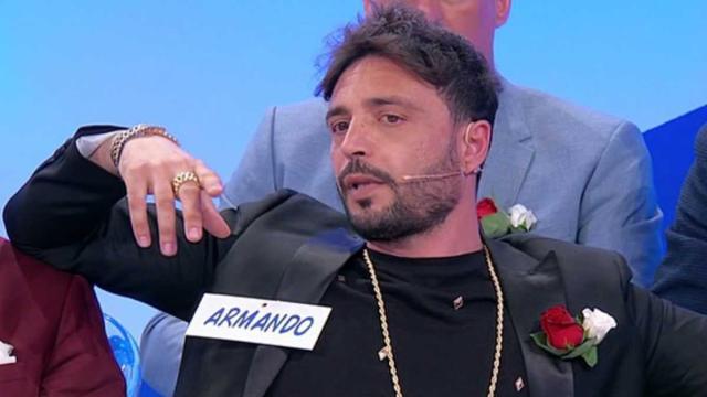 Uomini e Donne, Armando respinge la dama Valentina, Gianni: 'Sei un maschilista'