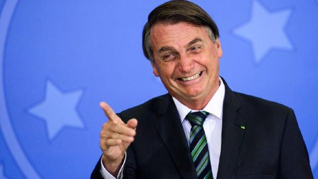 Jurista afirma que impeachment de Bolsonaro é perfeitamente legal