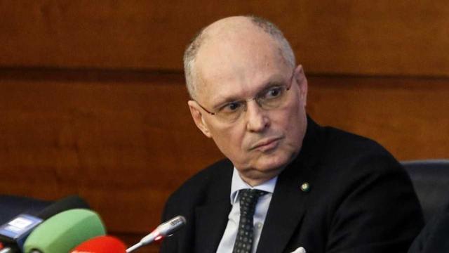 Covid-19, Ricciardi: 'Serve il lockdown di un mese, più il virus replica, più varia'