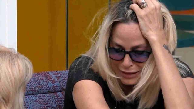 GF Vip, crollo emotivo per Stefania Orlando: Minaccia di uscire, Zorzi la rassicura