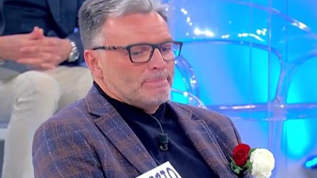 Uomini e donne, registrazione 20 gennaio: Gemma segnala che Maurizio è fidanzato