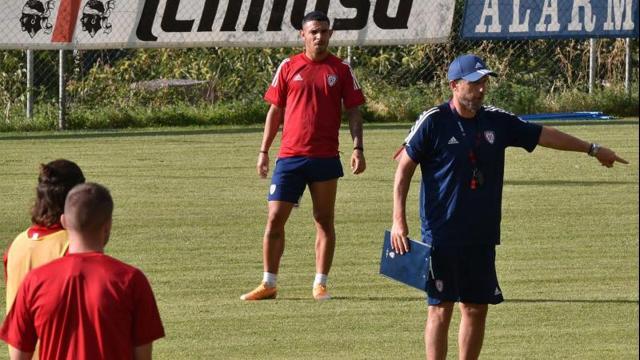 Cagliari: in previsione del delicato incontro con il Genoa la squadra rimane in ritiro