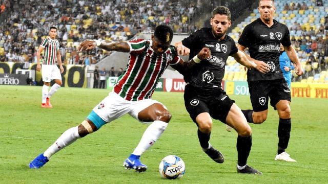Flu vence o Botafogo, mas atuação deixa a desejar