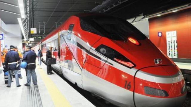 Ferrovie: l'azienda assume ispettori cantiere e laureati, domande online