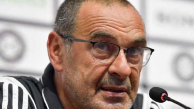 Calciomercato: Sarri avrebbe ricevuto un'offerta dalla Fiorentina per la panchina viola