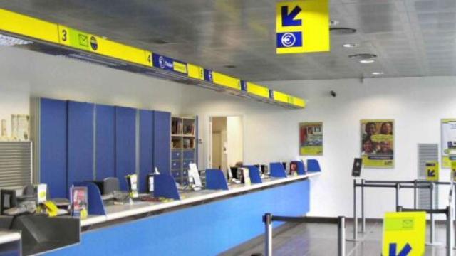 Poste Italiane assume portalettere e consulenti: titoli richiesti diploma o laurea
