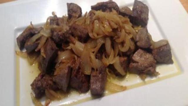 Fegato alla veneziana: un piatto gustoso della tradizione veneta